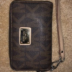 Michael Kors Wristlet Wallet Bag